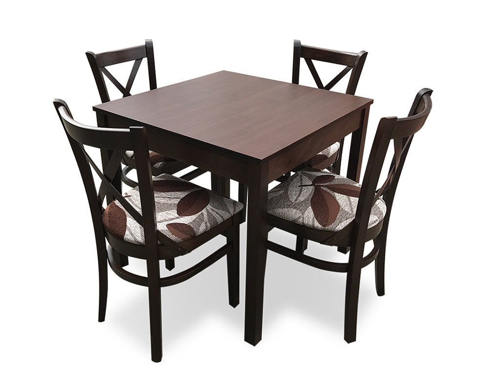 Restaurant table with MD470 chairs
