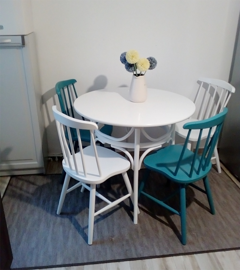 Thonet table with Waterford chairs