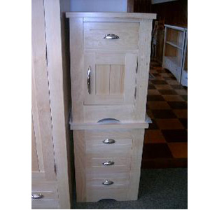 Nightstand with 3 drawers/ 804