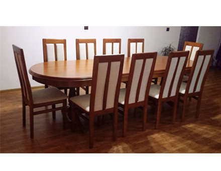 Europa table with MD107 chairs