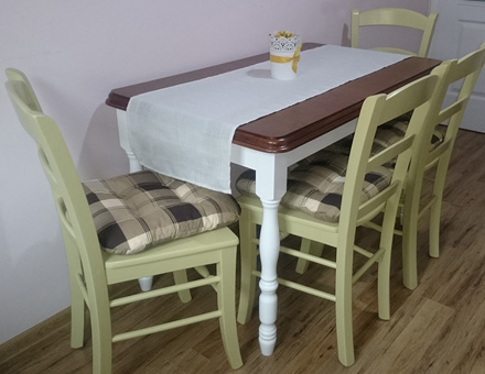 Country 3 table with MD 106 colored chairs set