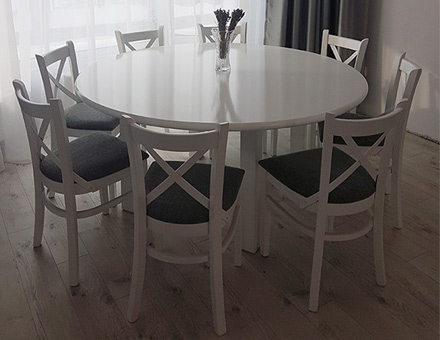 MD470 chairs with round table set