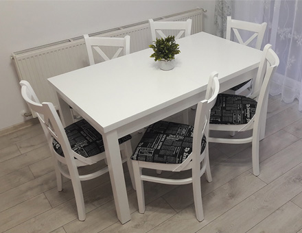 Extendable Roxana table with six MD470 chairs