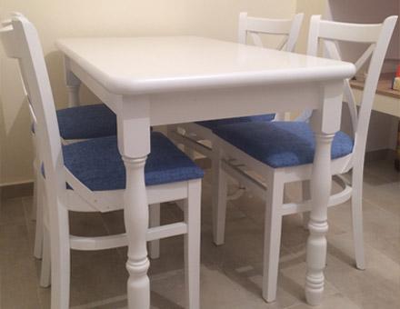 Masa Country III extensibilă cu patru scaune MD470