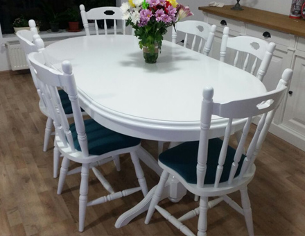 Europa table with MD 804 chairs