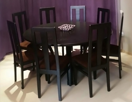 MD207 chairs with Simona table