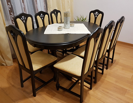 Europa table with eight MD109 chairs