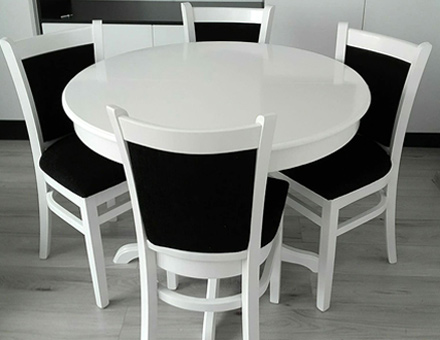 Ghera table with MD238 chairs