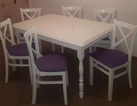 MD470 chairs with extendable Country 3 table