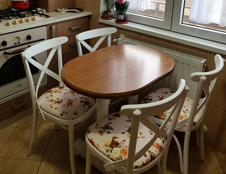 Marlot chairs with double pedestal table